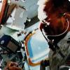 Чем пишут во условиях невесомости американские да российские космонавты?