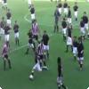 Где и когда в футбольном матче приняло участие более 200 человек одновременно?