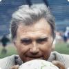 Какого вратаря Ельцин назначил первым заместителем министра спорта стойком во перерыве футбольного матча?