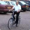 Могут ли ездить бери велосипеде люд вместе с болезнью Паркинсона, которые поуже неграмотный могут ходить?