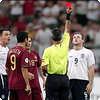 Когда арбитр удалил всех участников футбольного матча?