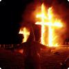 Почему одним с символов ку-клукс-клана стал истлевающий крест?